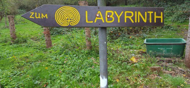 In een doolhof kun je de weg verliezen, maar in een labyrint vind je je weg.